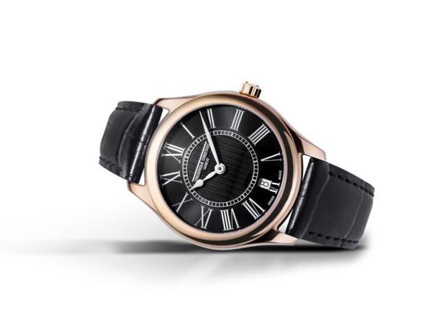 康斯登推出了名为百年典雅石英女装腕表的全新系列