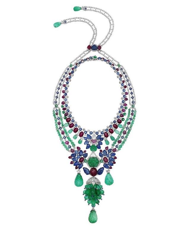 Cartier卡地亚完美承袭印度高贵华美风格的MAHARAJAH项链即为经典之一
