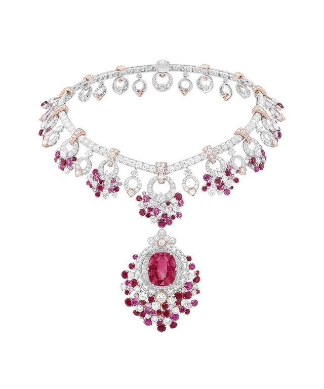 """2019年度""""Idaily Jewelry""""共评出两款最佳珠宝项链"""