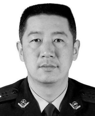 武汉民警吴涌牺牲在抗疫一线 年仅51岁