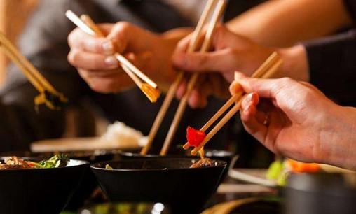 多部门联合发通知允许店铺外摆 推动各类型餐饮活动