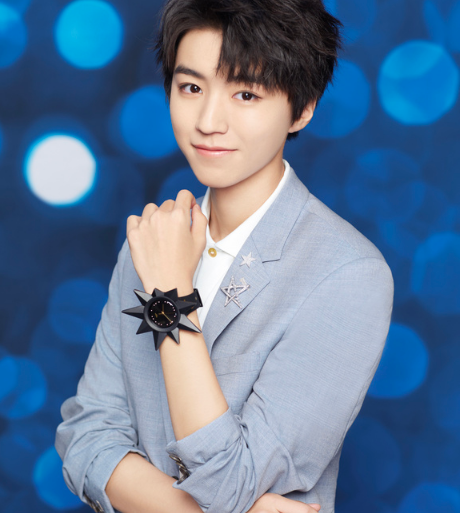 与王俊凯联合设计腕表 Swatch可以!
