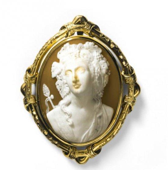 欣賞卡地亞經典珠寶 聆聽其背后的傳奇故事