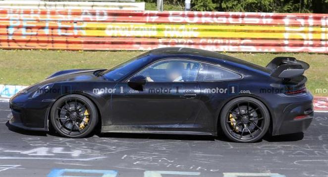 海外媒体曝光全新911GT3车型低伪谍照 新车发布时间未确定