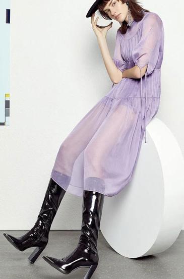 雀啡女装:与炙热时光融为一体 给予与众不同的美