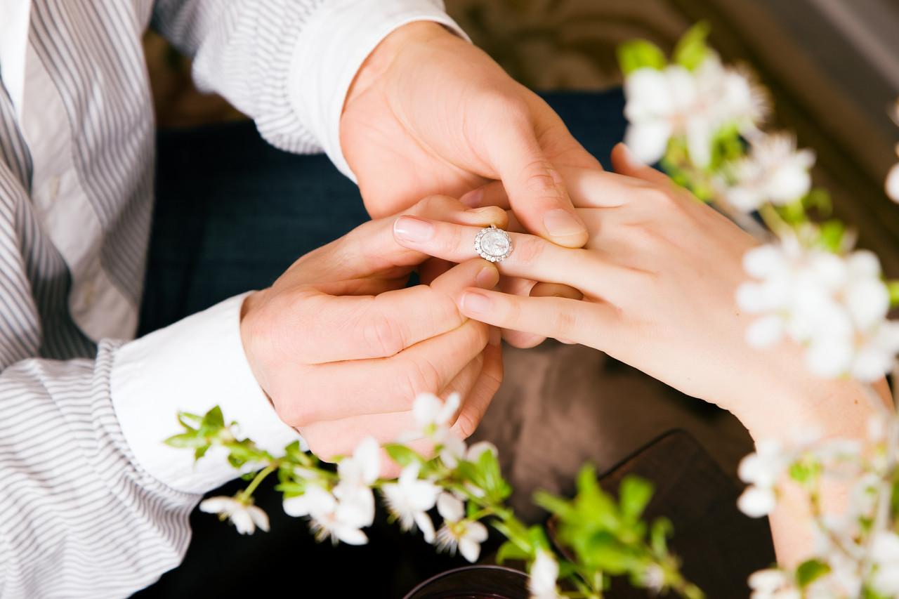 婚戒的寓意无可替代 结婚钻戒必须要买吗?