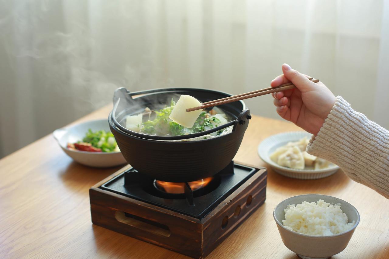 父子三人开空调吃火锅中毒 到底是怎么回事?