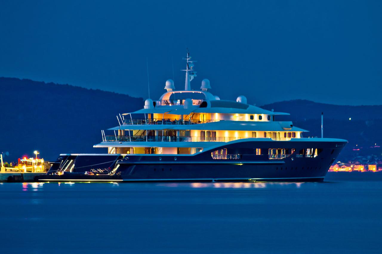 顶级超级游艇Alfa Ner:让你享受尊贵