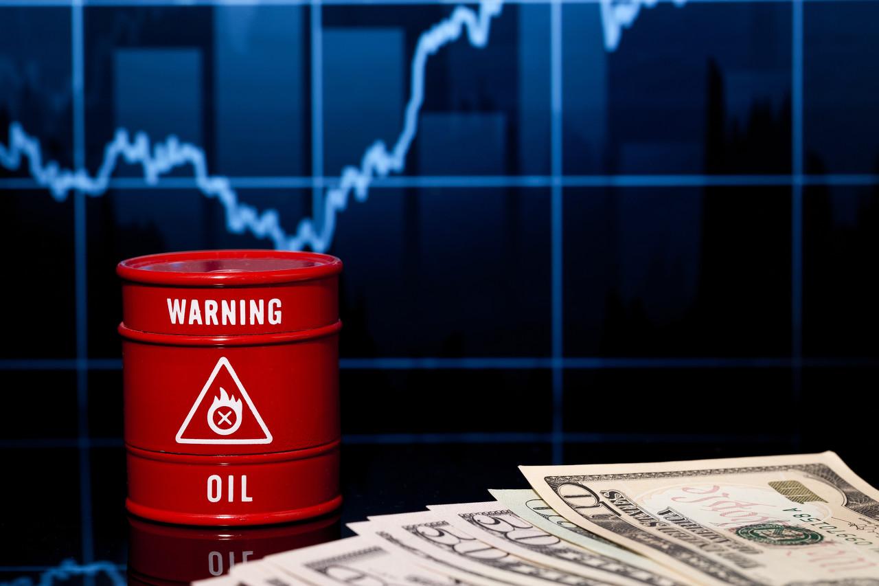 API原油库存大降利好 美油短线走高