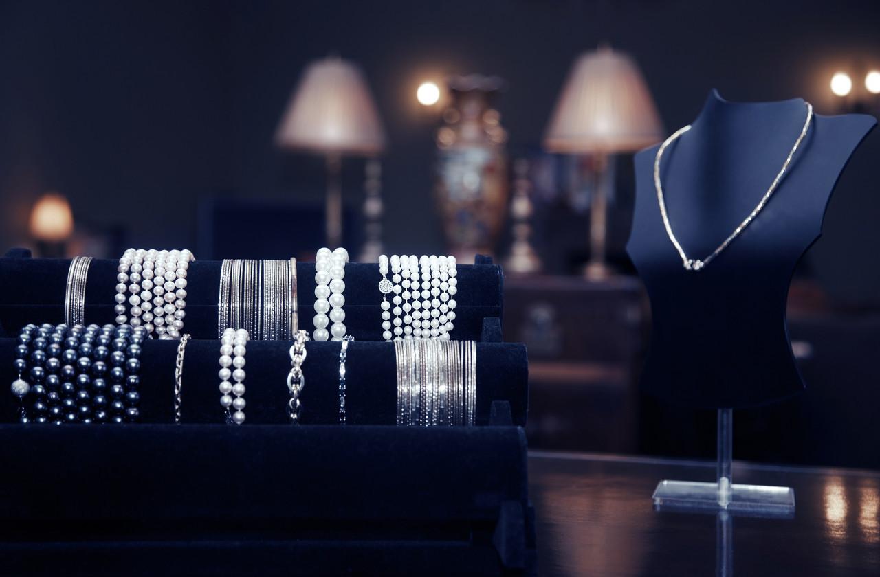 """日本珍珠品牌TASAKI推出新一季珠宝作品""""Balance Cross"""""""