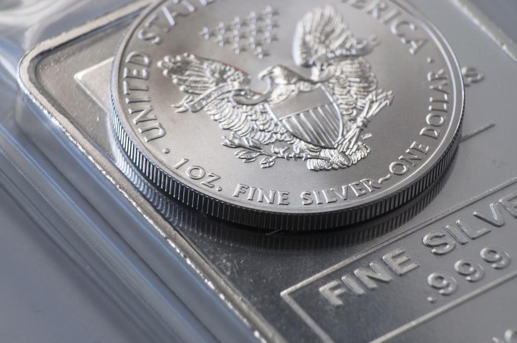 美元指数或一骑绝尘 现货白银何时止跌?