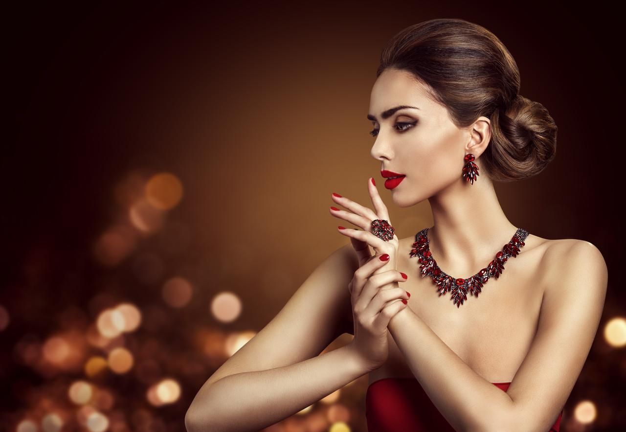 周大福新品系列珠宝 为人们传递美好寓意