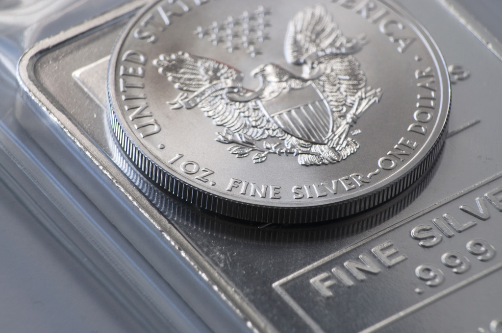 大涨3%逼近25美元 白银价格还能涨多少?