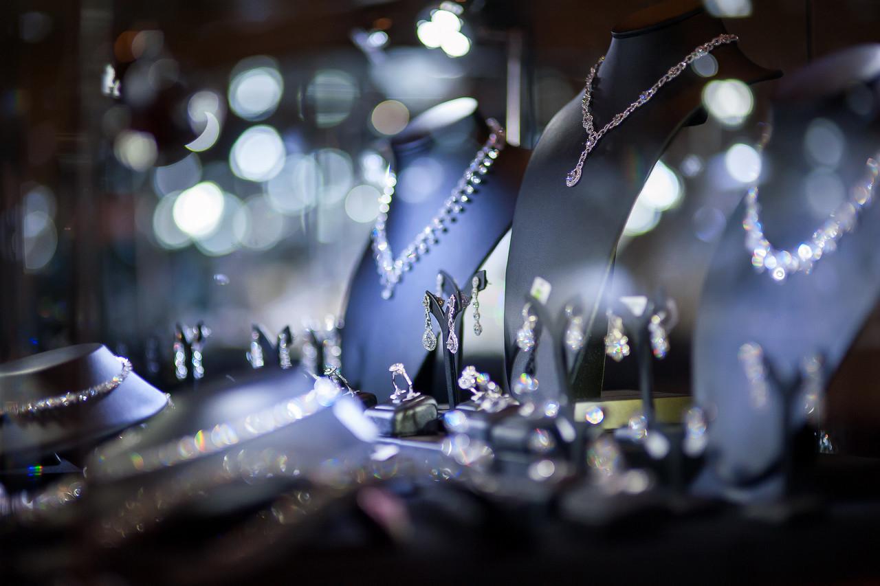 """中国嘉德举行香港""""瑰丽珠宝展售会"""" 共呈现120件拍品"""