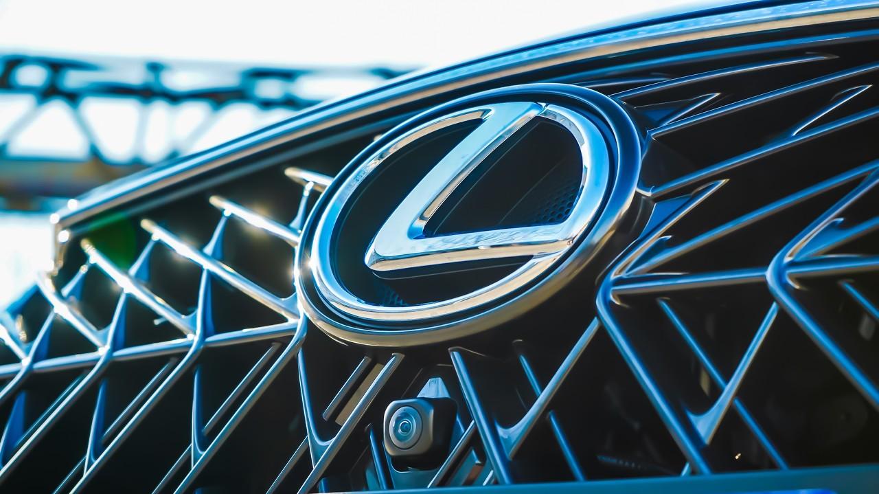 中国三家新能源汽车公司股价均大幅上涨