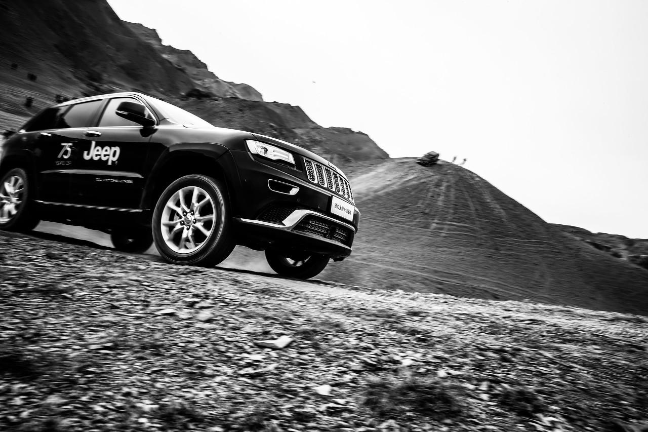 英菲尼迪QX55即将全球首发 全新SUV侧面线条流畅