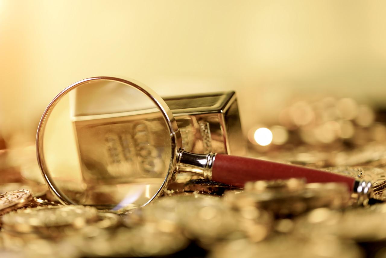 现货黄金携手美元下跌 金价日线阴线走低