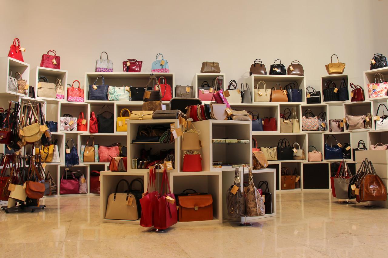 家居品牌NOME携手爱马仕设计师与梵高作品联名推出限量款包包 首发只要9.9元