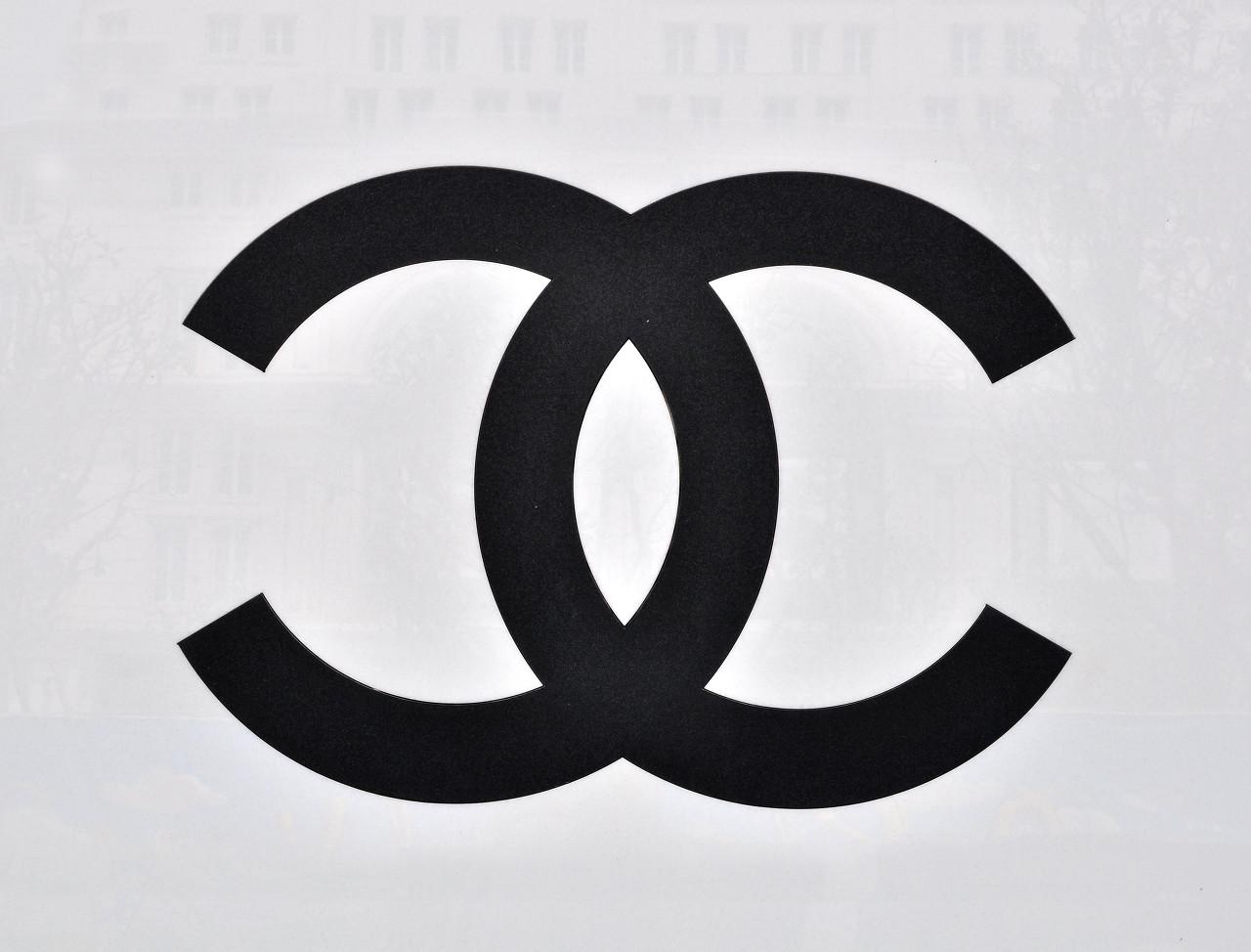 庆祝Chanel五号香水诞生100周年 Chanel将联合法国邮政推出两款限量版邮票