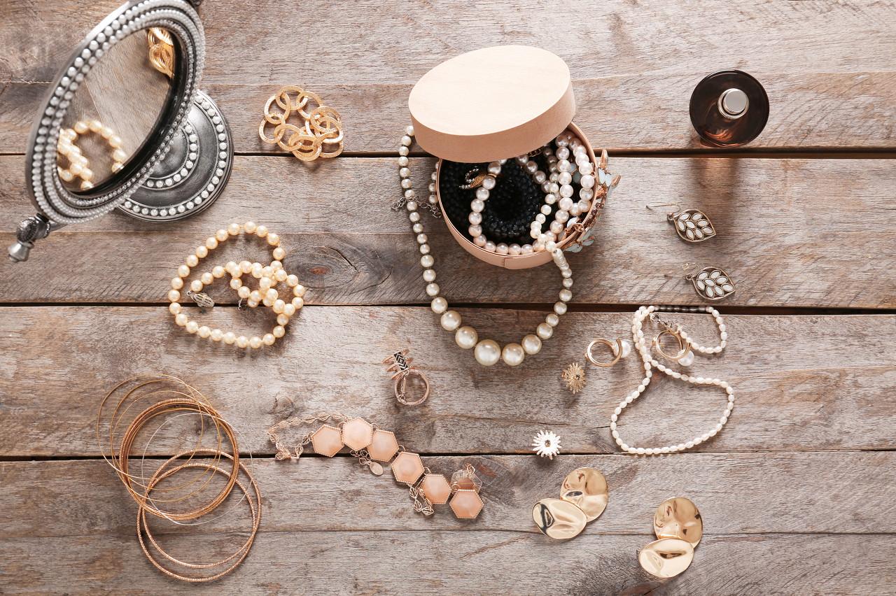 项链《细雨》荣获第11届国际珍珠设计大赛光泽奖