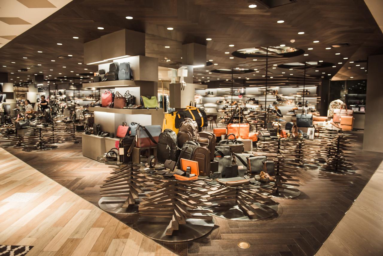 英国奢侈品集团Burberry表示四季度业绩将超预期