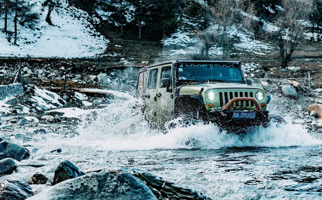 Jeep公司将在美国各地的越野车道道口安装电动车充电站