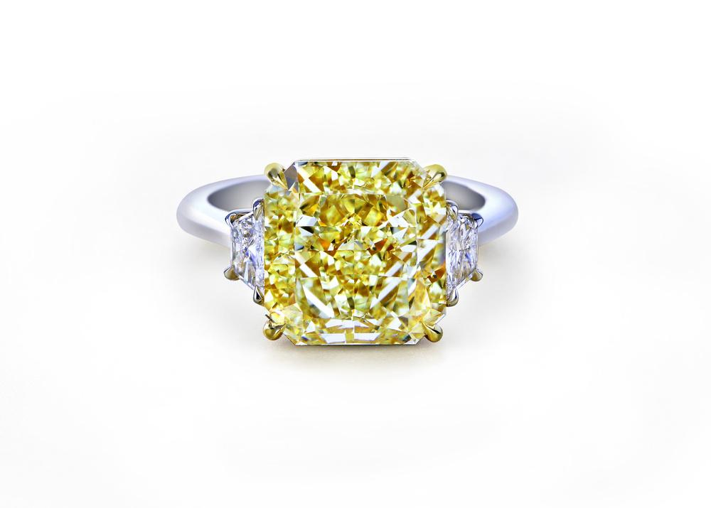 佐卡伊线上售出一颗20克拉收藏级黄钻 堪称线上售出的最大克拉钻石