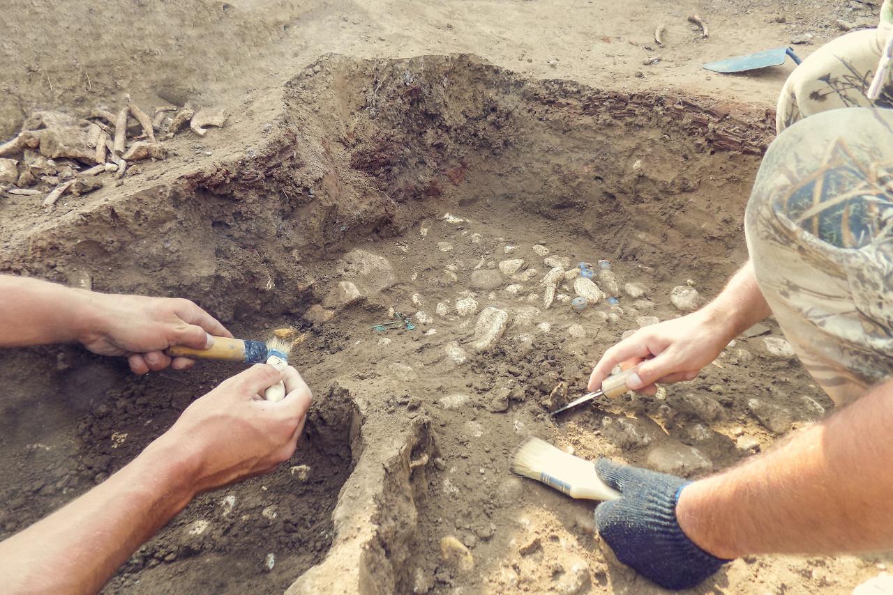 山西大同发现一座北魏砖室壁画墓 墓室内保存较好