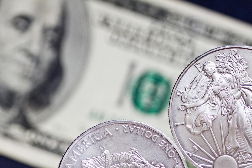 美国经济数据亮眼 白银冲高回落概率加大
