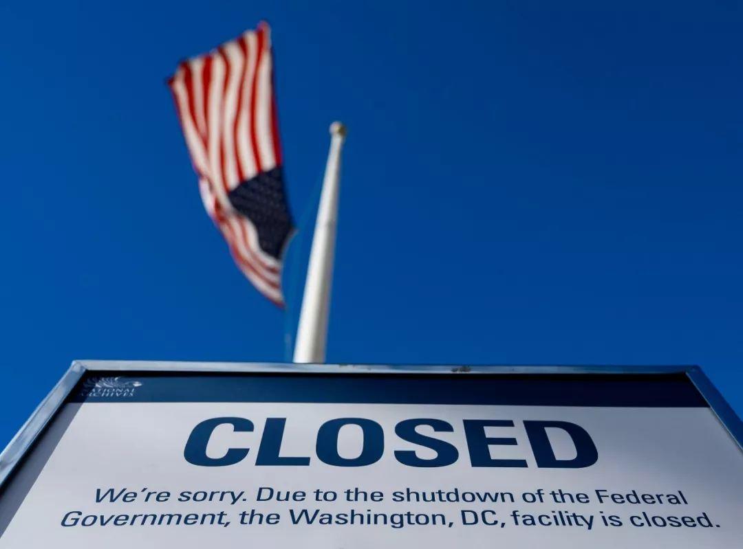 仅6个月 美国财政赤字已达1.7万亿美元!今年政府会停摆吗?