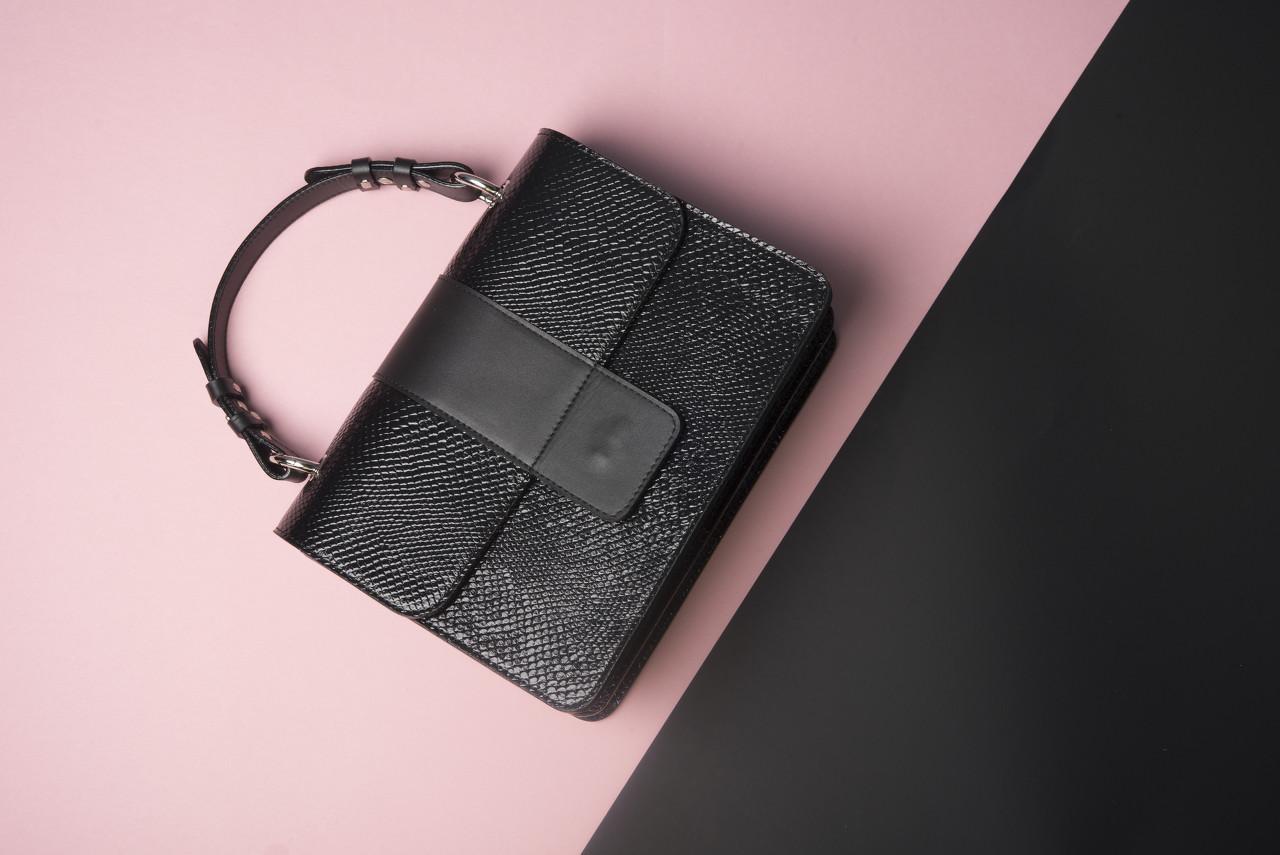 香港亿万富翁冯氏兄弟或将出售奢侈皮具箱包品牌Delvaux的股权