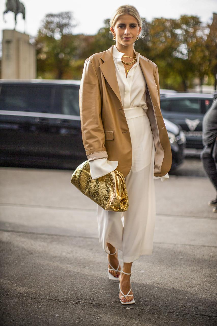 法国高级时装品牌SAINT LAURENT推出首个生活方式产品线