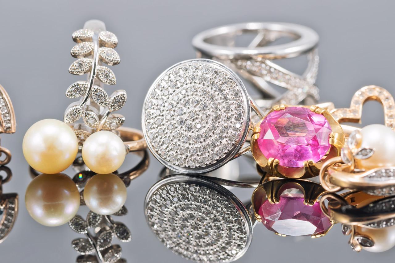 日本的珠宝品牌AHKAH推出bindu系列珠宝新作