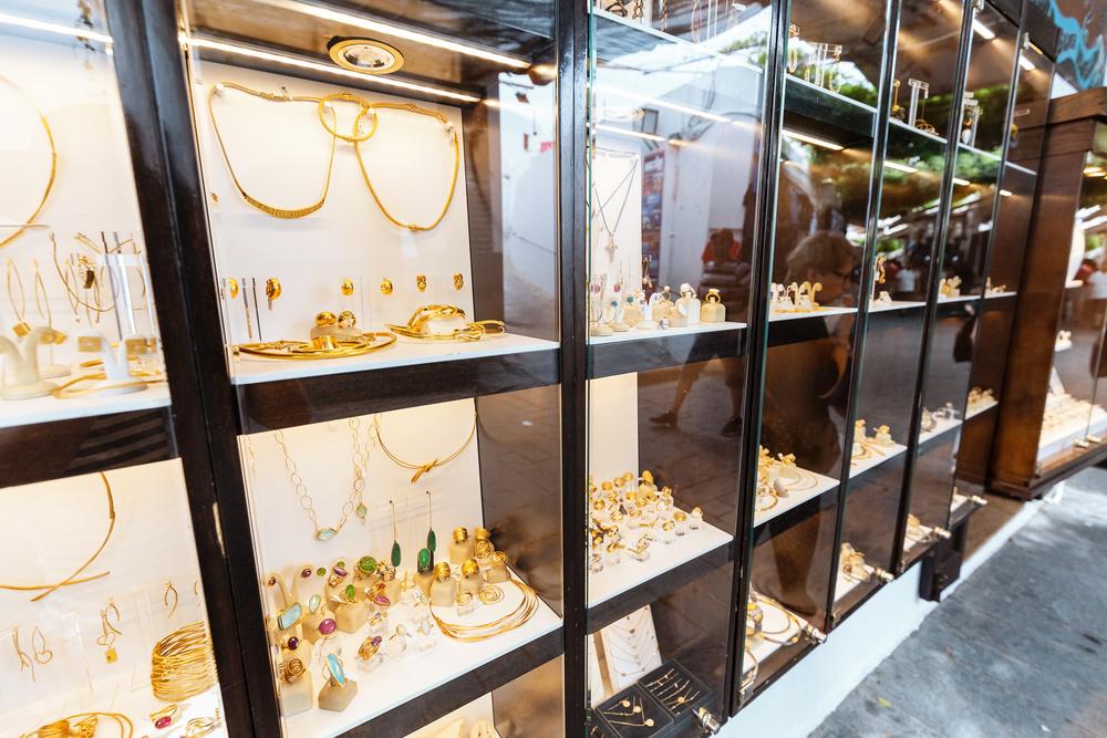19家上市珠宝首饰企业市值排行