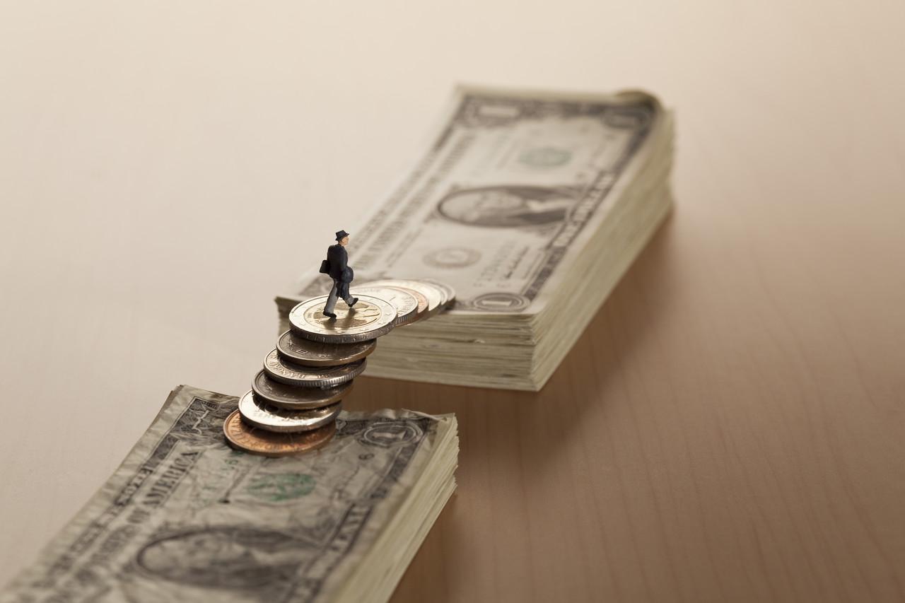 美就业差距为宽松政策撑腰