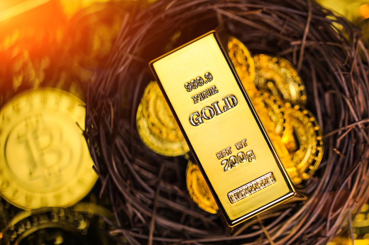 英国央行可能提早加息 现货黄金维持下跌