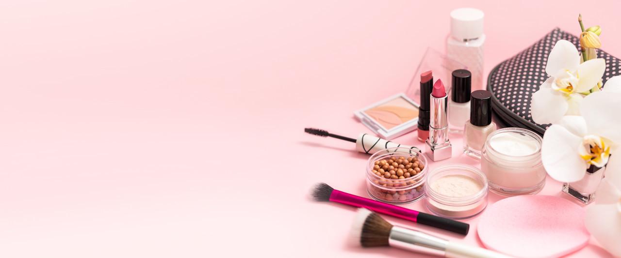 化妆品与非遗文化如何融合与传承成为业界的热门话题