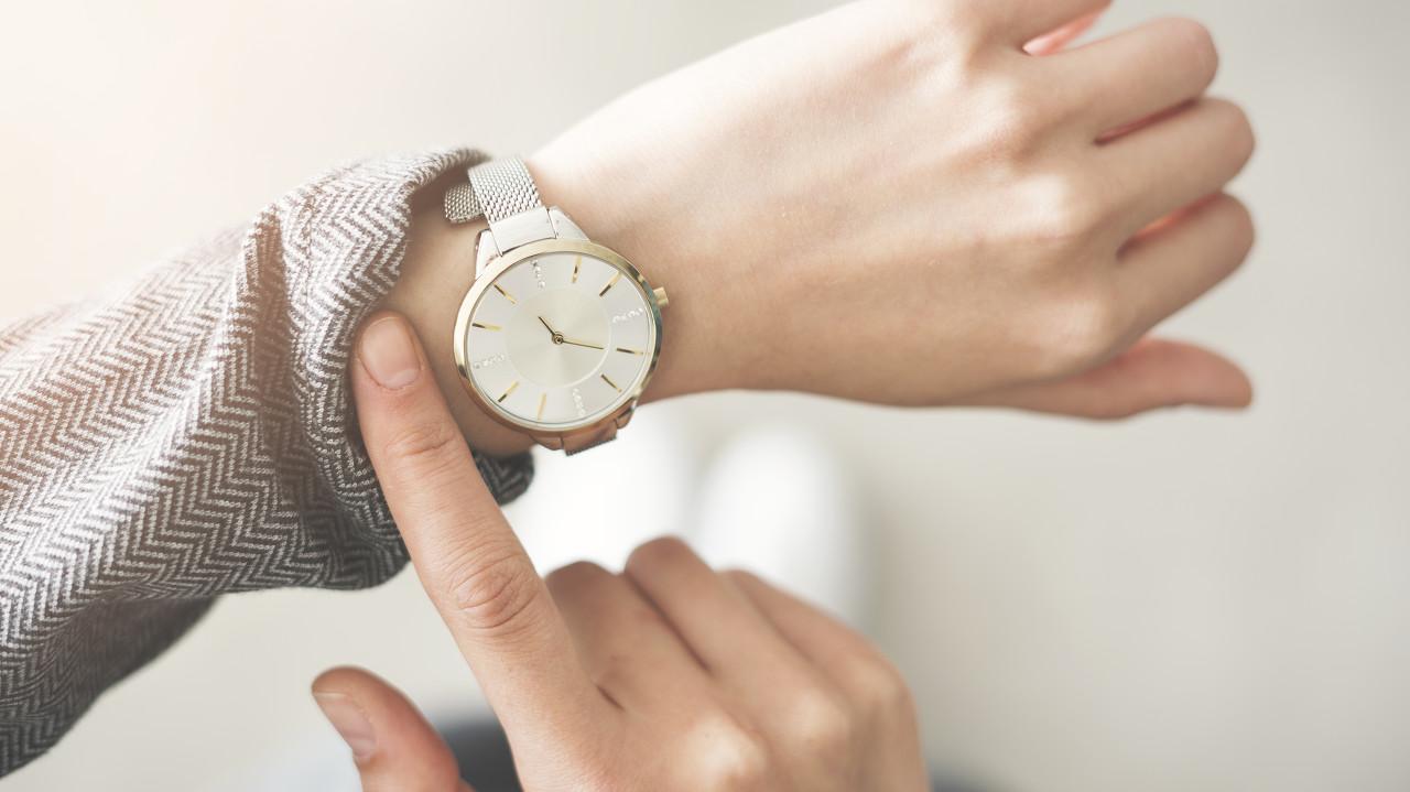 解锁VersaceVirtusMini系列腕表 轻松掌控时间的节奏