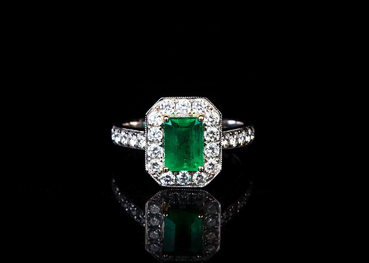 散发璀璨绿光的祖母绿宝石的历史你有了解过么?