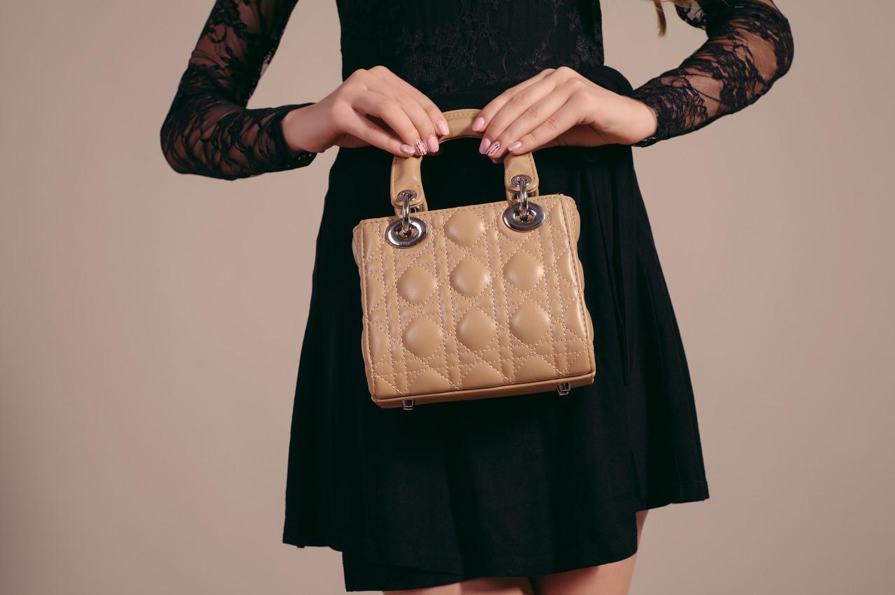 路易威登推出Coussin手袋 前卫时尚自带光芒