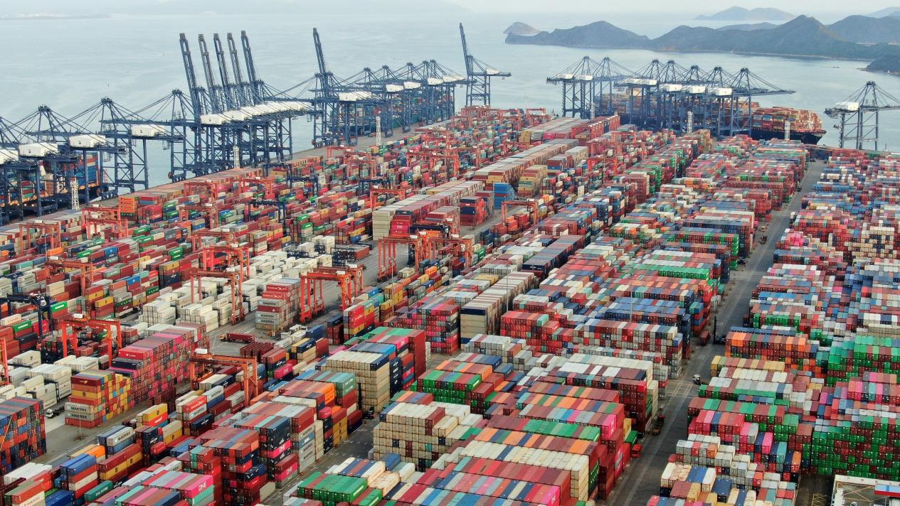 国际集装箱被挤崩了 宁波港价格飙升77%!今年圣诞礼物悬了!