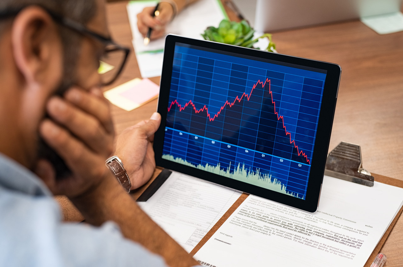 """美股""""恐慌指数""""飙升 欧美股市遭遇""""黑色星期一"""""""