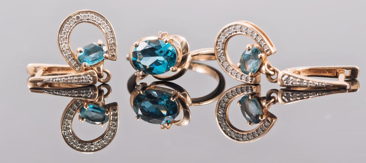 Enchanted Lotus钻石项链 尽释自然灵韵