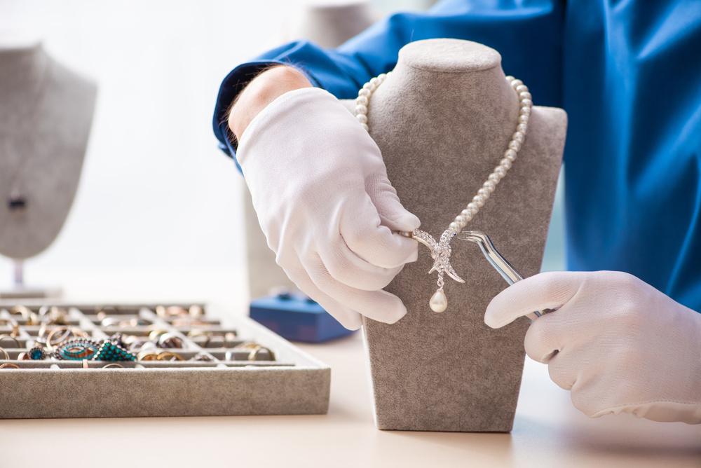 """Melodies of Colour""的高级珠宝展 致敬 Garrard为英国王室打造的彩宝作品"
