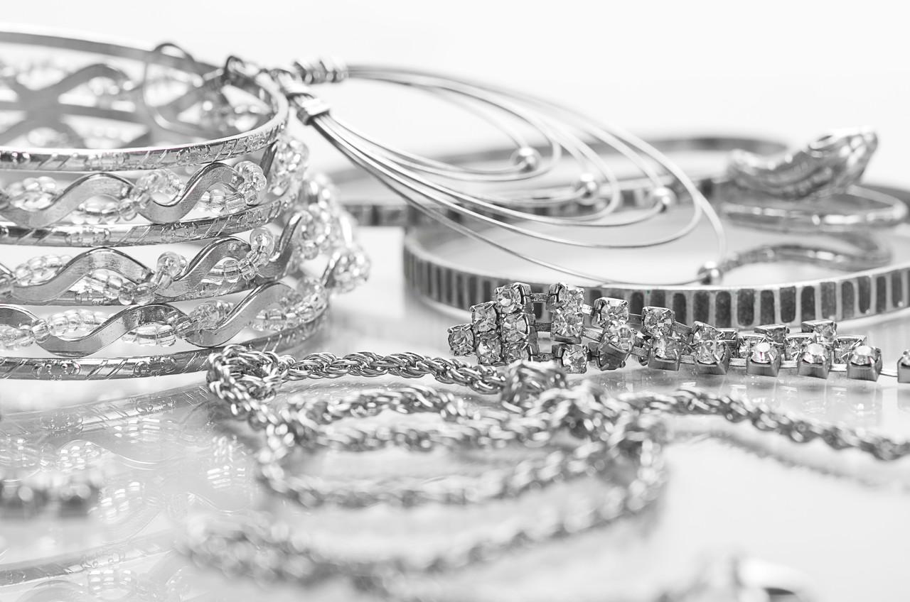 西班牙的浪漫风韵 梵克雅宝巴洛克风格奢华珠宝系列