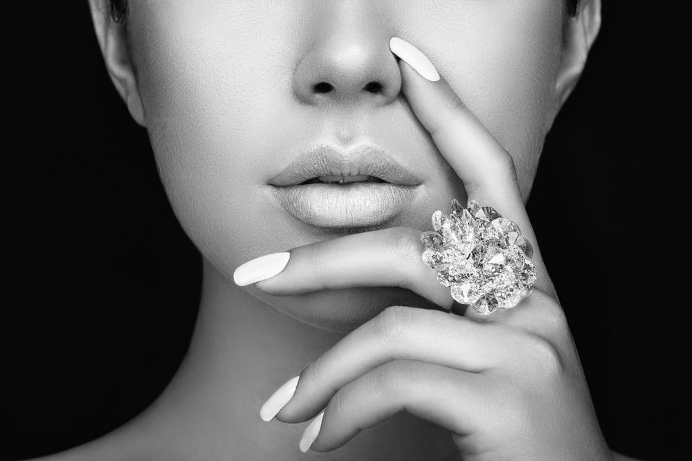 宝格丽(Bvlgari)代表性钻石戒指 宛如蝴蝶轻盈的翅膀