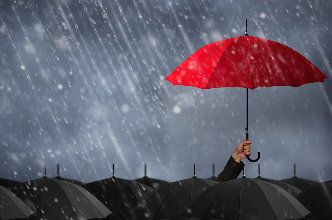 航拍最强风暴席卷美国 汽车和道路都泡在水中