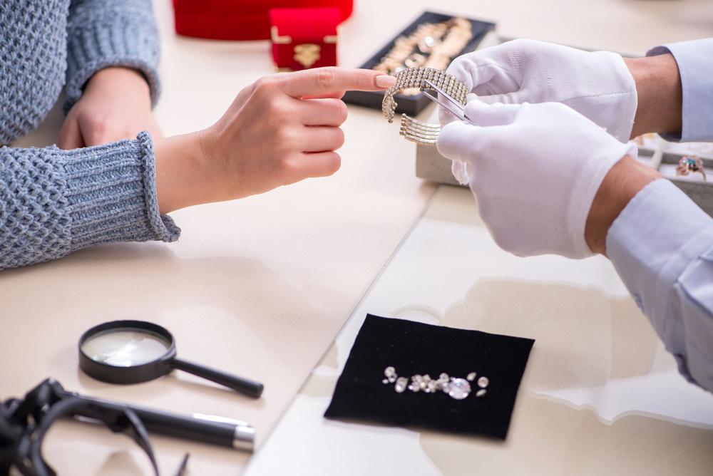 开运集团上半年珠宝业务表现强劲