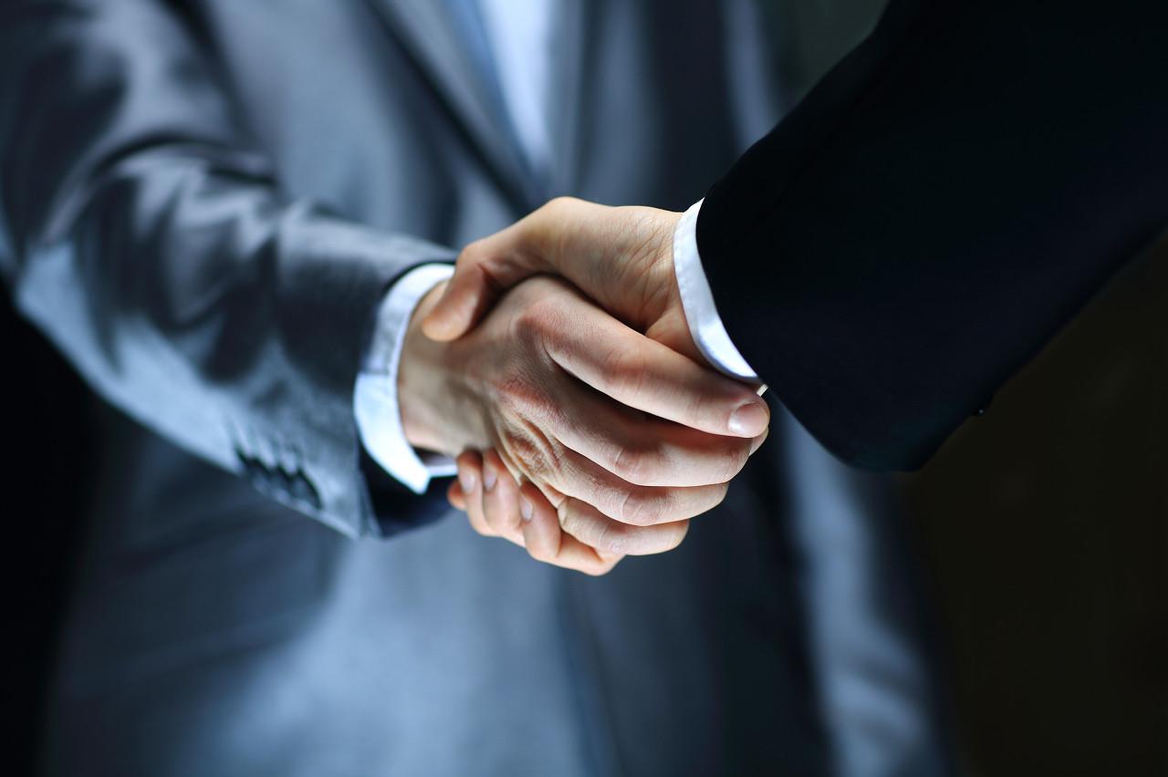 道达尔与伊拉克签署能源合作协议