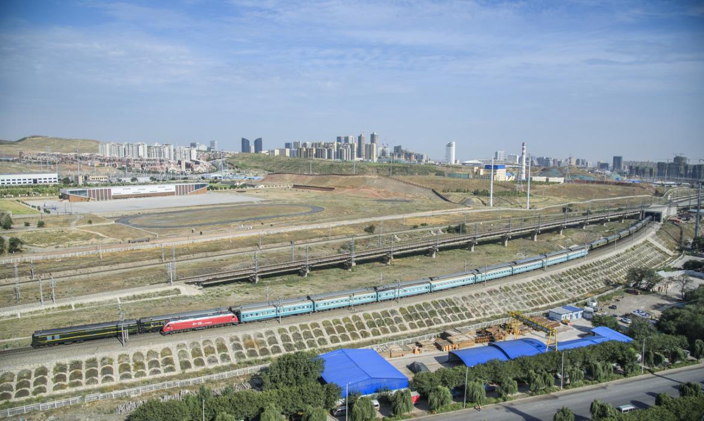 中欧班列运输量提前2年完成 世界已经迫不及待加入与中国的合作!